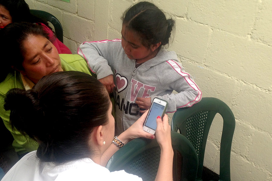 Teaching about the use of smartphones for education purposes at Asociación para Educación, Salud e Infraestructura