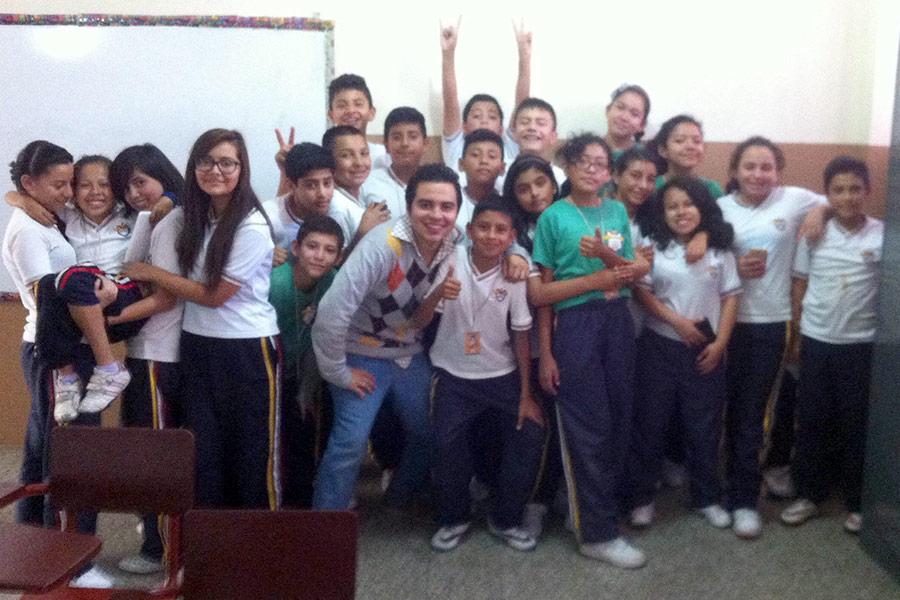 Jorge Diaz with kids attending workshop at Colegio Jesus Resucitado