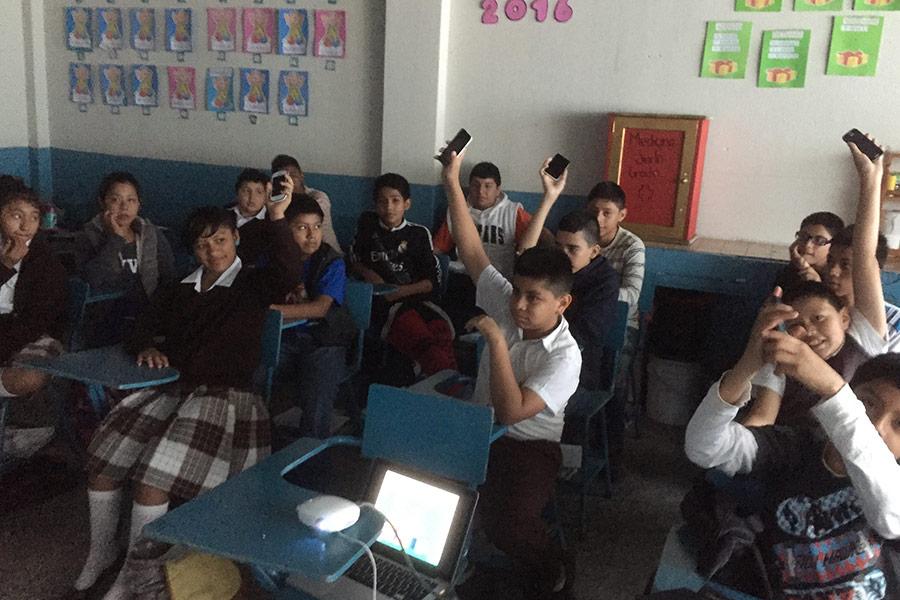 Participants of workshop at Escuela Concepcion Saravia