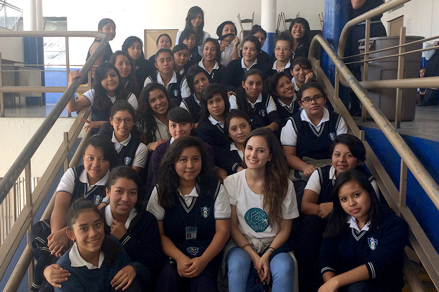 Marisabel Ruiz with girls at workshop in Instituto Normal para Señoritas Centroamérica