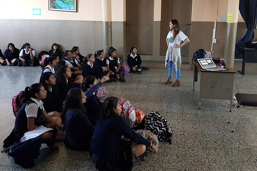 Marisabel Ruiz giving workshop at Instituto Normal para Señoritas Centroamérica